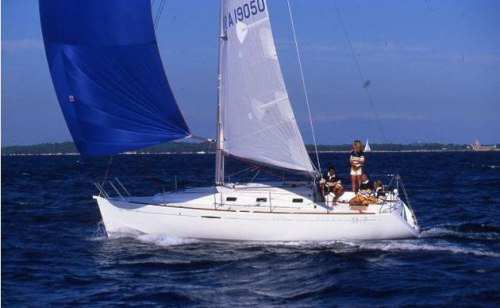 https://www.alternative-sailing.com/upload_files/photos_medium/first-31-7-1.jpg