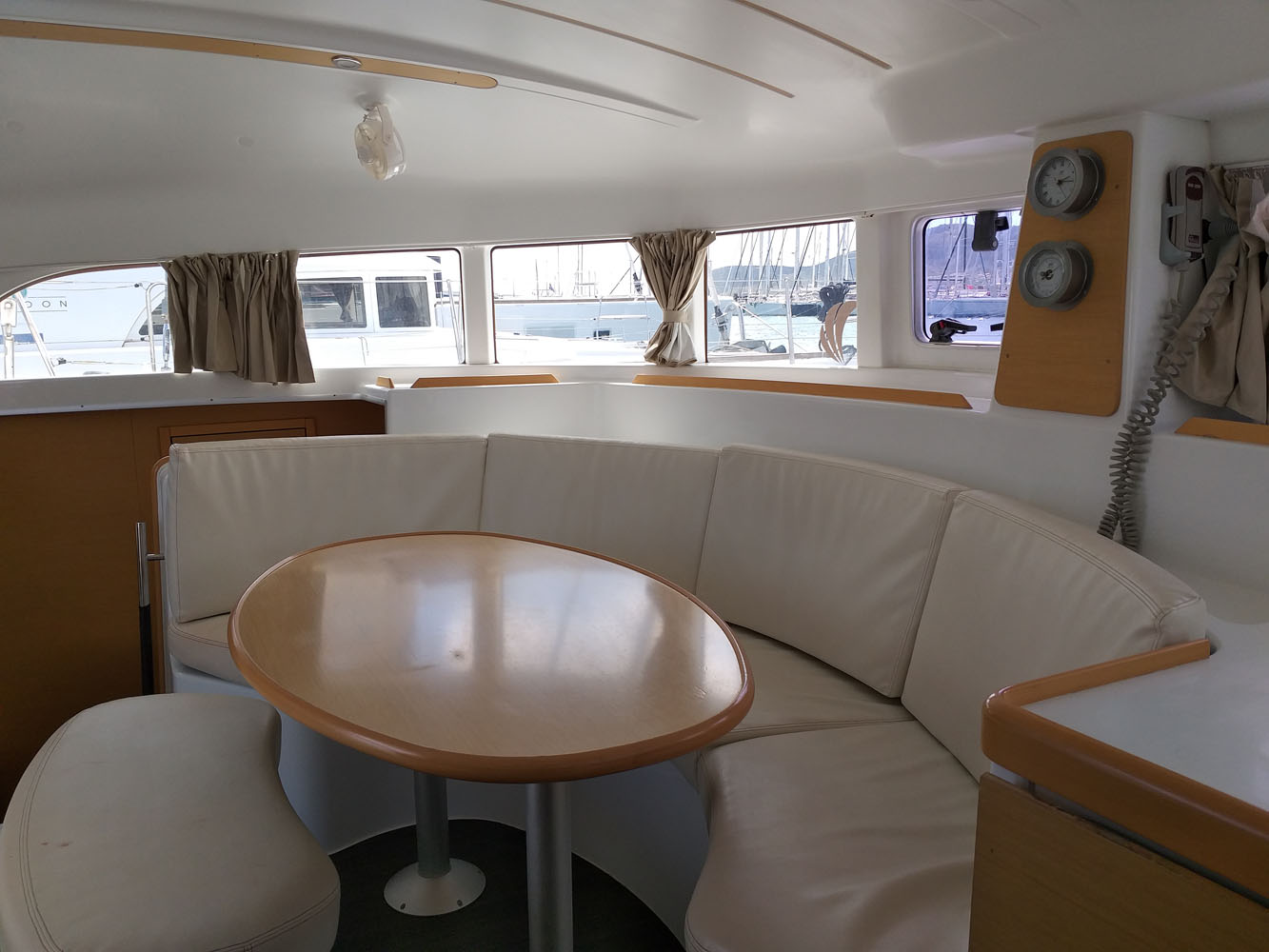 Lagoon 380 S2 | Carré intérieur Lagoon 380 S2