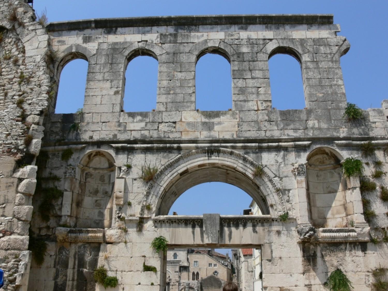 palais-diocletien-split.jpg